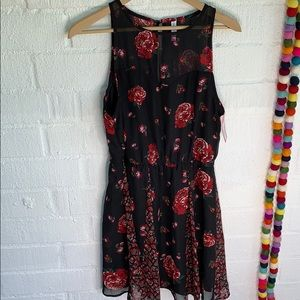 Xhilaration Floral Keyhole Dress sz M